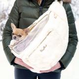 Bauchtragetasche 'HUG ME BAG FUR' creme-weiß
